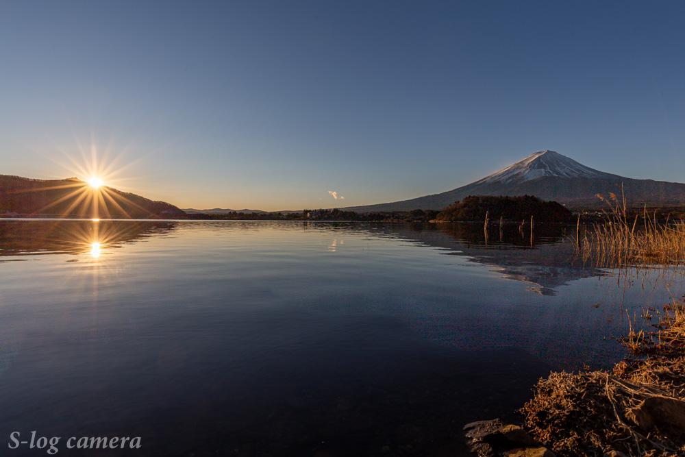河口湖の初日の出と富士山